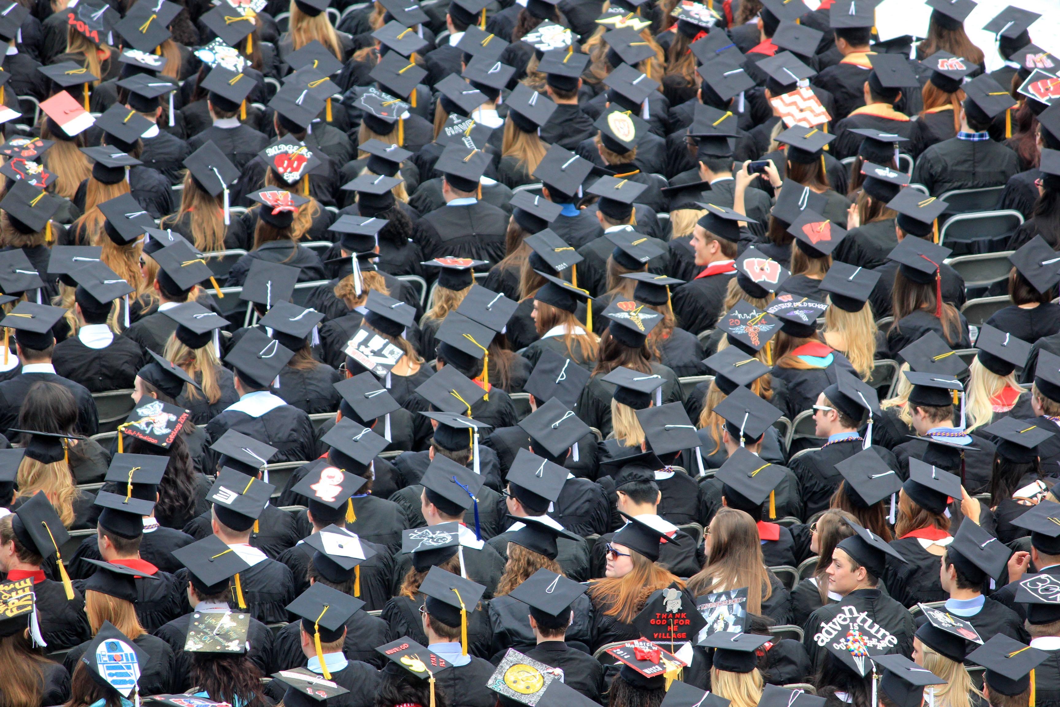 Regroupement d'étudiants diplômés.